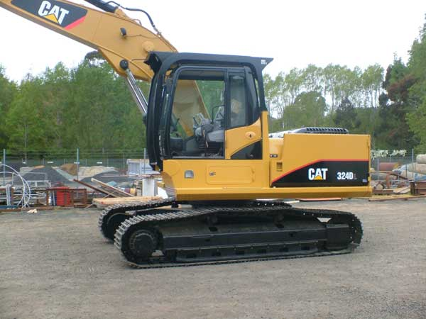 Peter-Roxbrough-CAT324DL-Guarding-Package-001